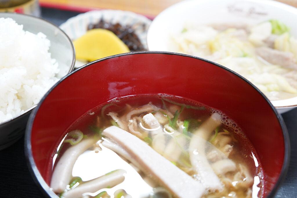 ホルモン定食(そばセット)